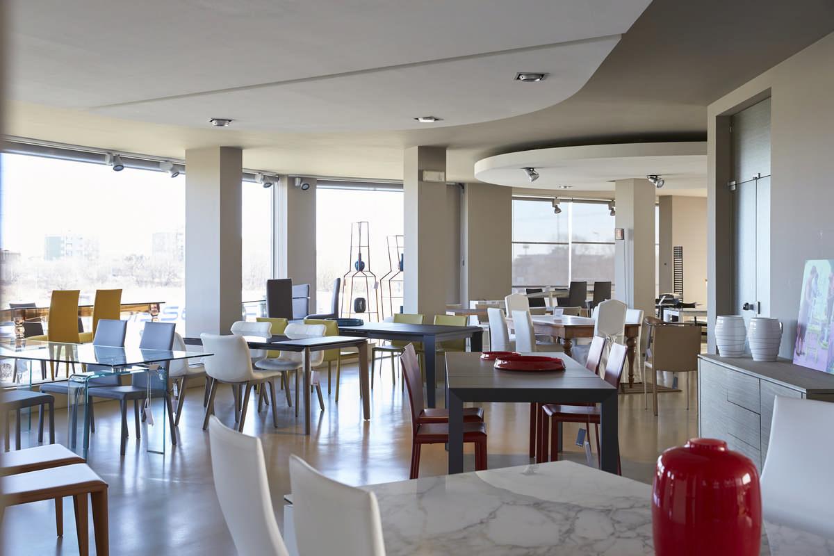 Colico Design Varedo Orari.Sedie Milano